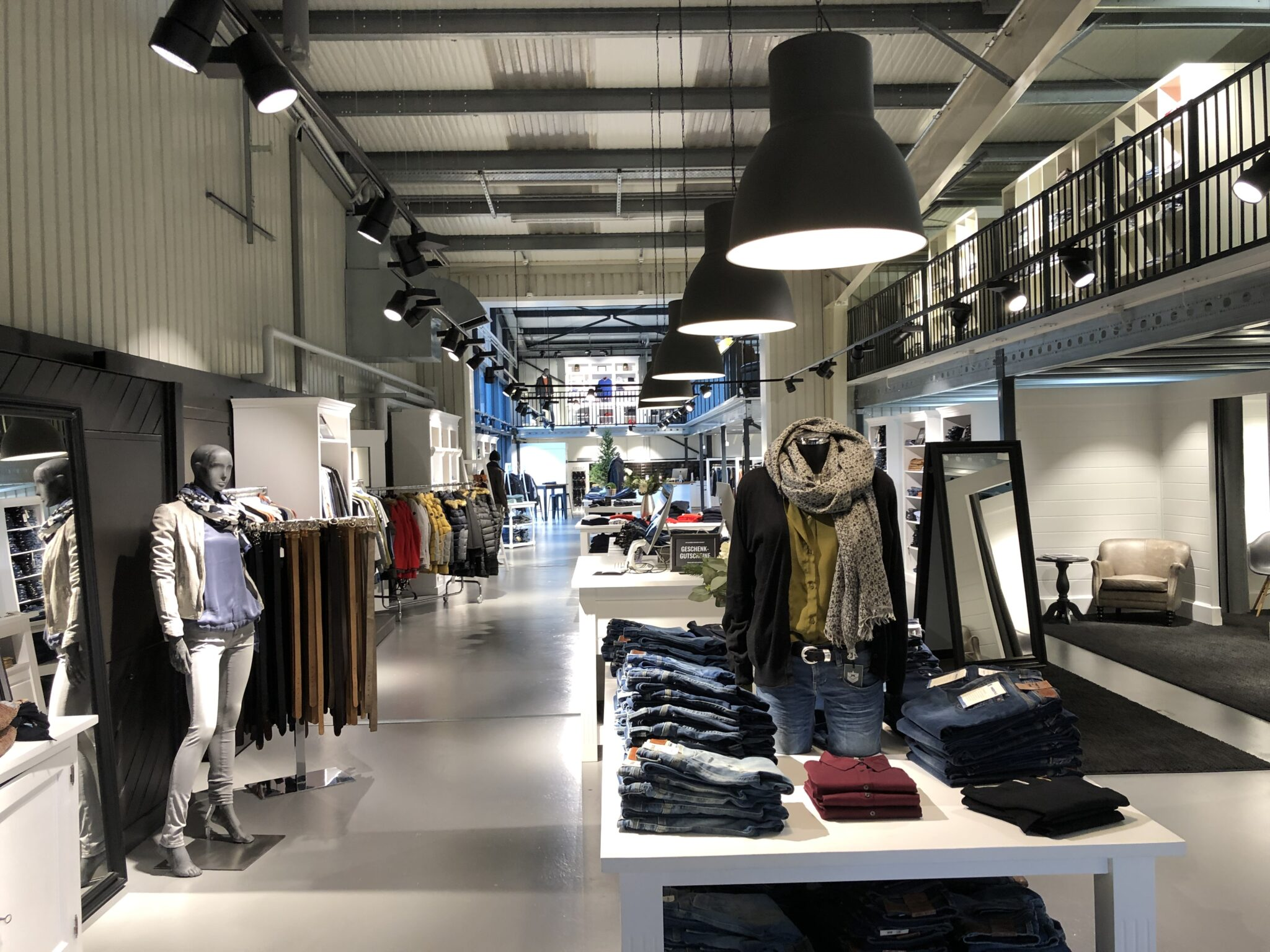 Showroom von Jeans.ch